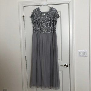 Adrianna Papell Silver Sequin/Tulle  Gown